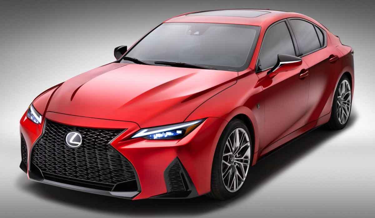 2022 Lexus IS